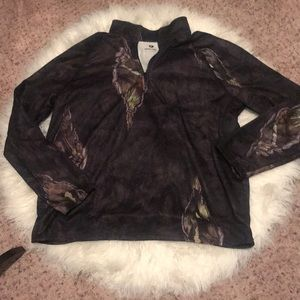 Mossy Oaks pullover sweater. Never worn. Size XL